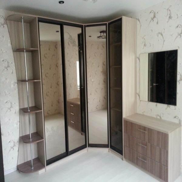 Заказать шкаф корпусный с распашными дверями в спальню в сан.